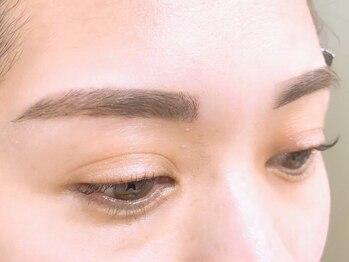 アメリア 新宿(AMELIA)の写真/【アイブロウデザイン+脱毛1回¥4000】眉毛の悩み解消&憧れの美眉に!劇的イメージチェンジにも◎