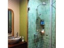 アロマヌード(aromaNUDE)の雰囲気(すべての個室にシャワーを完備しています。)