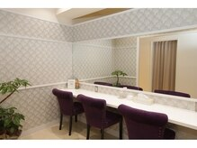 サロンイーエフ 金山店(salon EF)の雰囲気(お出かけ前にも便利なパウダールームを完備しております。)