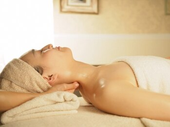 エリカコートニービューティーアンドリラクゼーション (Beauty&Relaxation)/ネック・肩の緊張を解きたい!