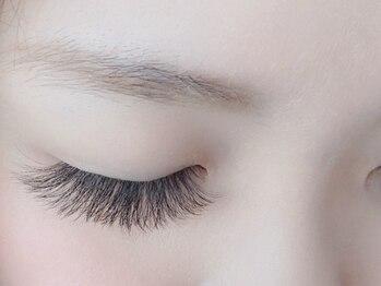 アイラッシュサロン ヴィヴィ 大野城店(Vivi)の写真/【ふわふわボリューム♪120本¥5570】自まつ毛よりもふんわり可愛い仕上りに♪デカ目になりたい方にオススメ