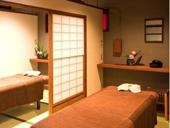 """京都ほぐし整体 はんなり 京都四条烏丸店の写真/【当店人気No.1☆まったりコース100分¥10800】京の趣き溢れる空間で""""はんなりすと""""による極上の施術を…♪"""