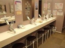 溶岩ホットヨガスタジオ アミーダ 江古田店(AMI-IDA)の雰囲気(ロッカー・シャワールーム・パウダールーム完備!)