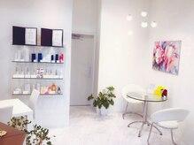 アベニール(Avenir)の雰囲気(白を基調とし清潔感のある店内。施術は個室で贅沢リラックス♪)