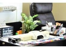 ネイルサロンスーリヤ (Nail Salon Surya)の雰囲気(フットの施術は、リクライニングチェアでリラックス♪)