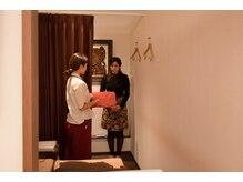 ルアンルアン ヘルスアンドビューティーモール Echika池袋店/お部屋へご案内にします!