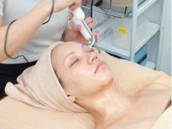 ピーチピットの写真/《乾燥肌・毛穴のブツブツでお悩みの方必見》CO2(炭酸)や低周波を使用し、お肌の深部にアプローチ☆