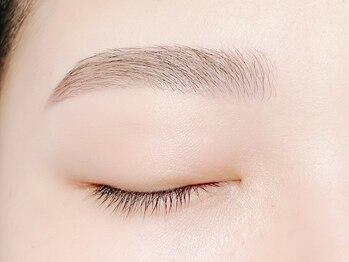 アネラ 亀有(Anela)の写真/眉メイクが上手くいかない方へ◎眉パーマ(ラミネーション)+WAXスタイリングで眉美人に<アイブロウ/亀有>