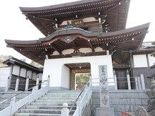 寺Nailの雰囲気(名前の通り、お寺の中にあるネイルサロンです。)
