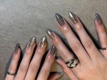 ネイルアトリエ ルアナ(LUANA)の写真/爪が短い,小さい方でもスラッと伸びた美しい指先◎自爪のお悩みも自然な仕上がりで自慢したくなる手元に♪
