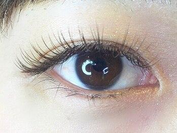 ナナ リスボン(NANA LISBON)の写真/期待を裏切らない☆3Dボリュームラッシュ0.07mm極細毛を3束にしたエクステ☆軽い付け心地で目元ばっちり