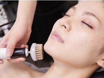 サロン ド ラヴィ 浜松町(Salon de Lavie)の写真/小鼻周りの皮脂のテカリ&つまりをゴッソリ吸引★[美肌リンパシェ-ビング+ブラッシング]毛穴ケアが人気♪