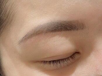 ステレオビューティー(STEREO BEAUTY)の写真/お顔の印象がグッと変わる゛美眉スタイリング″で目元を変えてみませんか?