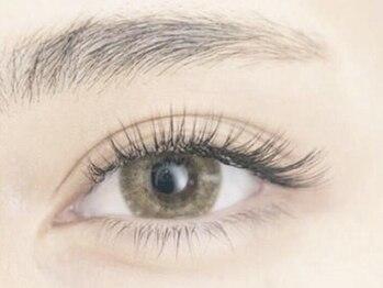 フランチェスカ アイラッシュ(francesca eyelash)の写真/自まつ毛への負担を最小限に抑え、育てながら美まつ毛に導く!あなたの瞳をより印象的に見せる☆