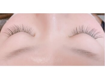 ソル エルビオ(SOL elbio)の写真/目力のある魅力的な瞳に!1本1本丁寧につけていくので自まつ毛に優しく、理想のボリュームある目元に☆