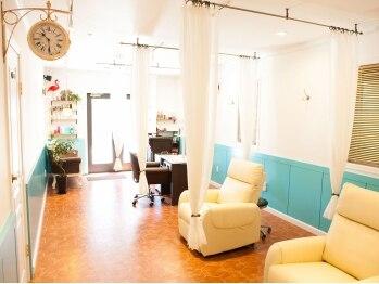 ルル(LuLu)の写真/アンティーク調のお洒落な空間で「キレイ」をご提供*ふかふかのソファで癒やしのリラックスタイムを満喫♪