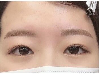 ダフネ(DAFNE)/綺麗系の平行眉