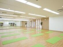 ヨガスタジオ ドゥミルネサンス田町 三田