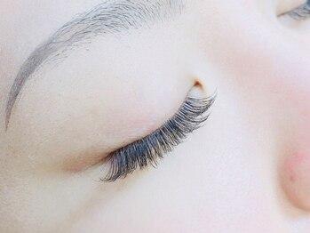 エマアイラッシュ(emma eyelash)の写真/当店1番人気!!自然なボリュームで理想のまつ毛に♪【新規★オフ無料!!ボリュームラッシュ80束¥5500~】