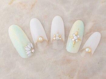サンミーゴネイル 神戸店(Sunmego Nail)/オフホワイト×ストーンネイル