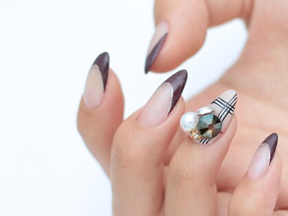 ドレープネイル(drape nail)の写真