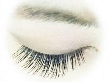 アイラッシュアンドネイルサロン アクア(aqua)の写真/ずっとお得な価格で通える◎ぱっちりとしたボリュームのある目元で女性らしさを表現♪付心地が良く目力UP!