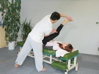 TOKYO腰痛肩こりケアセンターの写真/【スポーツ選手ご用達】腰/首肩/股関節etc何でもお任せ下さい。現役スポーツトレーナーのオーナーが施術!