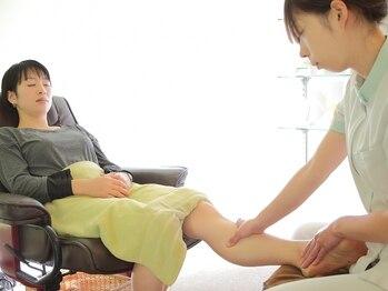 フットアドバンス 成城店の写真/【30分¥3780~☆】デスクワークでむくんだ足や、一日歩いて疲れた足に!価格だけではない高い技術も自慢◎