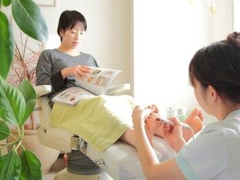 フットアドバンス 成城店の写真/【初回¥1000オフ☆】フットケア専門店ならではの技術でつるつるの仕上がりに!古い角質を除去して美しく◎