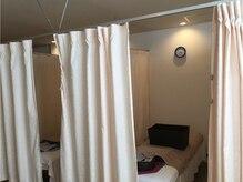 ほぐし処 らくだ(RaKuDa)の雰囲気(カーテンで仕切られており、プライバシーも万全)