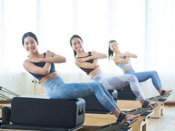 マシンピラティス専用スタジオ ラバ 上大岡アネックス店(LAVA)の写真/【女性専用】女性専用なので気兼ねなく通えるのも嬉しいポイント♪ピラティスで運動不足・ストレス解消!