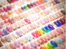 ネイルサロン ホノの雰囲気(カラー数325色・ラメ360種類をご用意★デザインサンプルも多数!)