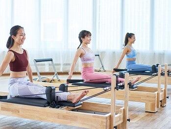 マシンピラティス専用スタジオ ラバ 上大岡アネックス店(LAVA)の写真/健康的にキレイに痩せたい方にぴったり!無理なく運動習慣をつくり、しなやかで美しいボディに♪