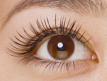 シルズ 梅田店(cils)の写真/デザイン力&モチの良さに感動!!一重、二重、垂れ目etc.貴女の目の形に合わせて最適なデザインをお届け♪