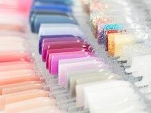 ネイルサロン ミモザ(MIMOSA)の雰囲気(カラーバリエーションが豊富。お好きな色で施術可能です。)