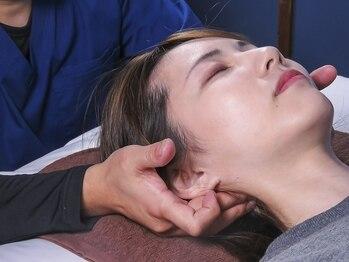 大徳マッサージ治療院の写真/実は顔のコリが原因!?小顔骨格のスペシャリストによる【小顔矯正+ヘッド40分¥3500】お化粧したままでもOK♪