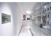 ピュアラ 三宮店の雰囲気(白を基調とした清潔感溢れる店内は、落ち着きます☆)