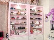 ピンク基調の可愛いお部屋で指先きれいに☆気分もアップ☆