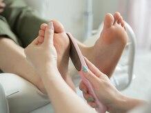 フットネイルもかかとも足裏も一緒にキレイにしませんか