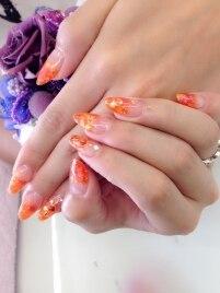 オレンジカラーのスカルプ