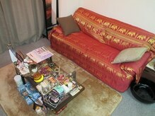 アジアン古式セラピー ワット 綾瀬の雰囲気(タイの小物と闘魚ベタがお客様をおもてなし☆癒し空間の待合室♪)