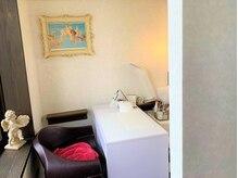 トータルビューティーサロン 髪結い空間エムアンドケー(M&K)の雰囲気(ネイル 施術スペースです。)