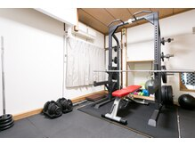 BMSパーソナルトレーニングジムの店内画像