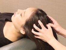 水もオイルも使わない気軽に受けられるヘッドスパ。睡眠不足や頭痛・肩凝りの改善にも効果大◎!