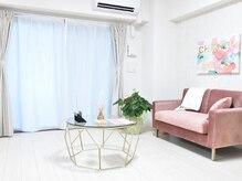 エリマ(elima)の雰囲気(可愛く清潔感のあるピンクが多い空間になります♪♪)