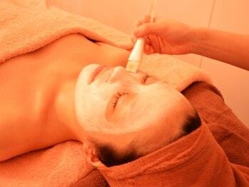 ディアサロン 横浜店(Diasalon)の写真/毛穴の詰まりは、お肌にダメージ大!+¥2000で毛穴洗浄付き♪つるんと美しい陶器肌で素肌美人へ♪