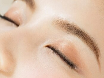 アイラッシュアンドネイル プーラ(Eyelash&Nail Pura)の写真/【眉毛ケアもPuraにお任せ☆】美眉はサロンで手に入れる時代!!お顔の印象は眉でガラリと変わる♪