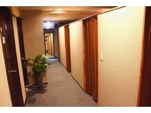 竹リラクゼーション 赤坂見附店の雰囲気(全室個室でお待ちしております。ペア・カップル用個室も完備!)