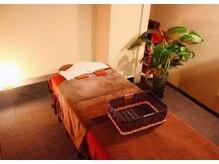 竹リラクゼーション 赤坂見附店の雰囲気(広々とした個室での施術。整体、アロマ、足裏などメニューも豊富)