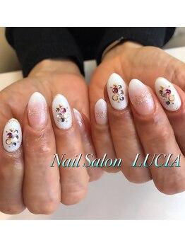 ルシア(Nail Salon LUCIA)/ホワイトグラデーション